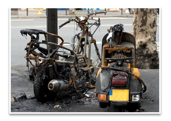 הרכב שלך ניזוק בשריפה? הסבר על ביטוח רכב ופיצוי לאחר שריפה